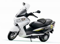Suzuki Burgman Fuel-Cell дебютира в Токио